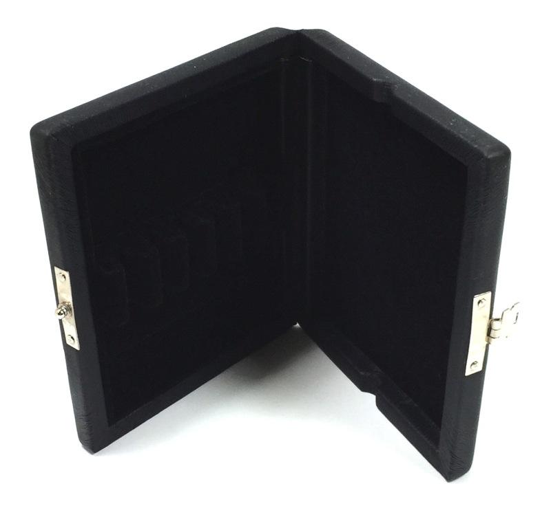 inside-reed-case